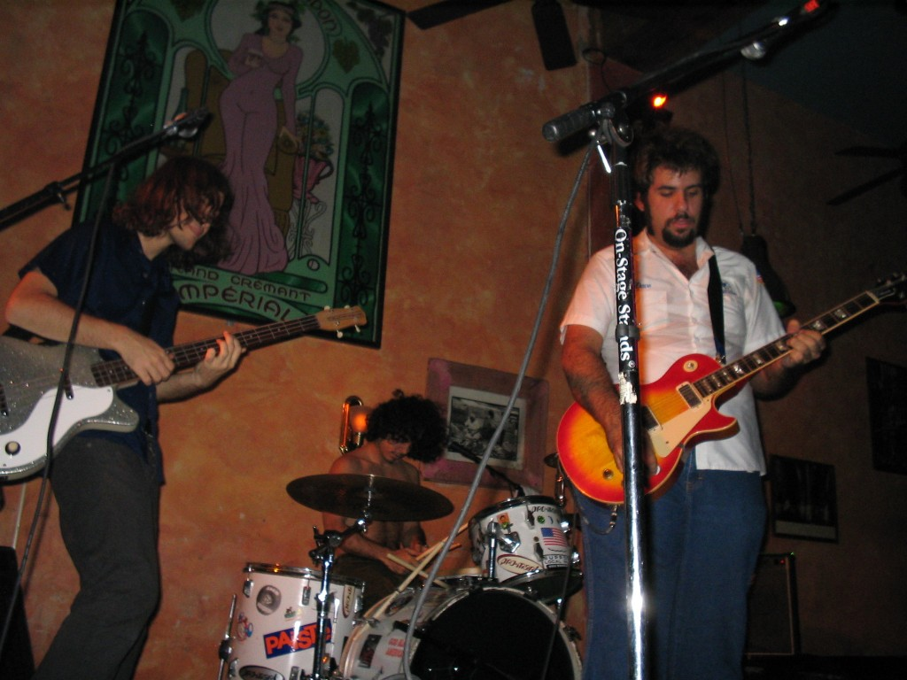 Fernando Perdomo Band @ Senor Frogs June 2004